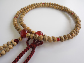 Seigetsu Linden tree seeds & Agate 5mm beads Shin Buddhism Nenju with garnet tassels